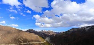 Överkant av Daocheng, Sichuan Kina Fotografering för Bildbyråer