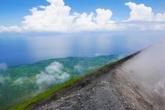 Överkant av den Volcà ¡en n Royaltyfri Foto