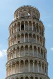 Överkant av det Pisa tornet Royaltyfria Bilder