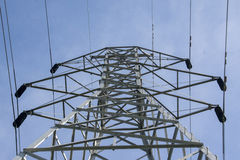 Överkant av ett elektriskt torn Royaltyfri Bild