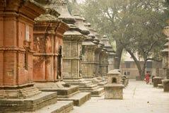 Överkant av kullen på det Pashupatinath tempelet, Nepal. Arkivfoto