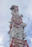 Överkant av telekommunikationtornet på vintern Fotografering för Bildbyråer