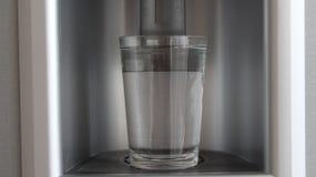 överkant för bakgrundsflaskclose upp white Royaltyfri Fotografi
