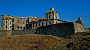 överkant för krzyztopor r för slott krzy Arkivfoton