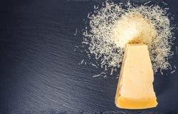 Överkant ner av det enkla smakliga nya gula stora segmentstycket av parm Fotografering för Bildbyråer