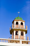Överkanten av den blåa moskén i den blåa himlen royaltyfri fotografi