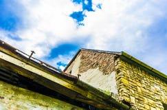 Överkanten av en gammal byggnad Royaltyfri Fotografi