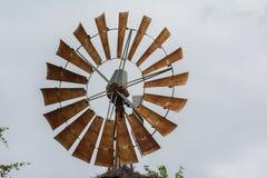 Överkanten av en väderkvarn Arkivfoto