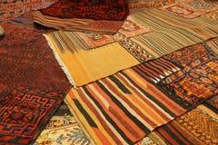 Överlappande mattor med invecklade Kurdish modeller Royaltyfria Bilder