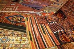 Överlappande mattor med invecklade Kurdish modeller Royaltyfri Fotografi