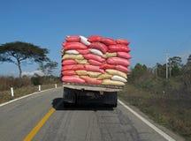 Överlastad lastbil, Mexico arkivfoto