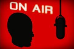Översikt av huvudet med tappningmikrofonen och på lufttecken Arkivbilder