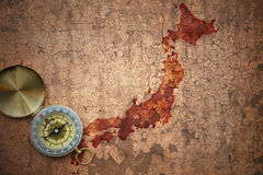 Översikt av Japan på ett gammalt tappningsprickapapper Fotografering för Bildbyråer