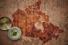 Översikt av Kanada på ett gammalt tappningsprickapapper Arkivbild