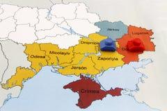 Översikt av kriget i Ukraina med behållaren Arkivfoto