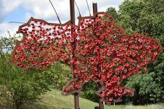 Översikt av Ukraina från röda blommor Arkivbild
