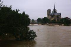 Översvämma i Paris på juni 02, 2016 i Paris, Frankrike Royaltyfri Bild