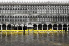 Översvämma på San Marco Square royaltyfri fotografi