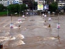 översvämmad bro Royaltyfri Bild