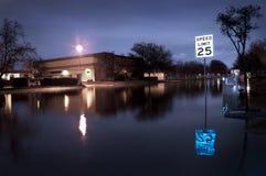 översvämmad gata Arkivfoto