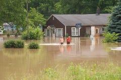 översvämmad town Arkivfoto