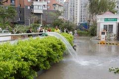 Översvämmad underjordisk parkeringsplats Personalpump Royaltyfria Foton
