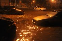 Översvämmade bilar som medförs av Orkan Sandig Arkivfoton