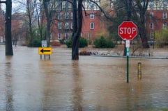 översvämmade gator Arkivbild