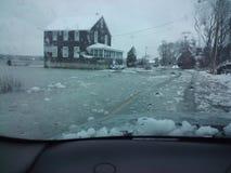Översvämmade gator i vinter Arkivfoto