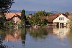 översvämmade hus Royaltyfria Foton