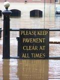 översvämmat tecken york Fotografering för Bildbyråer
