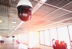 Övervakning för säkerhetskamera på flygplatsen royaltyfria bilder