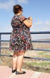 överviktig kvinna Arkivfoton