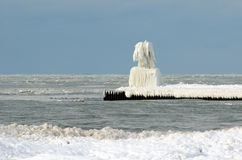 Övervintra isskulptur på Lake Michigan Royaltyfri Bild