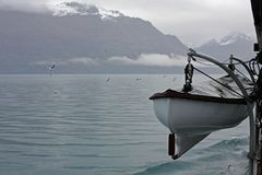 Övervintra kryssa omkring ombord TSS Earnslaw på sjön Wakatipu, Queenstown Royaltyfri Bild