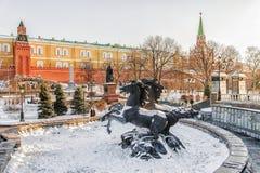 Övervintra sikten av Alexander Garden i Moskva, Ryssland Fotografering för Bildbyråer