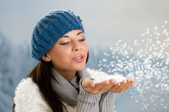 Övervintra snowing Royaltyfri Fotografi