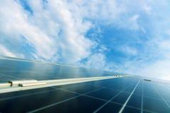 Övre detalj för slut av den photovoltaic solpanelen Arkivfoton