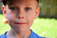 Övre framsida för årigt caucasian slut för pojke fyra Royaltyfri Bild