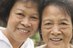 Övre framsida för asiatiskt pensionärfamiljslut Arkivbild