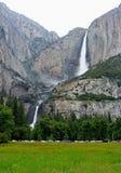 Övre- och lägre Yosemite Falls, Yosemite nationalpark Arkivfoton
