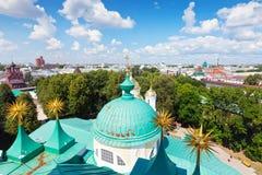 Övre sikt av gammala Yaroslavl. Ryssland Royaltyfri Foto