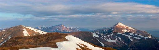 övre sikt för carpathian berg Arkivbilder
