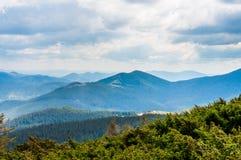 övre sikt för carpathian berg Royaltyfria Bilder