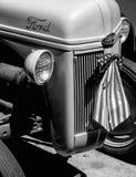 Övre sikt för slut av en gamla Ford Tractor Fotografering för Bildbyråer