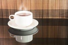 Övre sikt för slut av en kopp te Royaltyfria Bilder