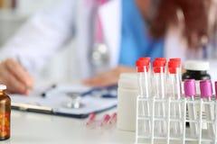 Övre sikt för slut av medicinska flaskor Royaltyfria Bilder