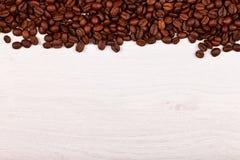 Övregräns av kaffebönor Arkivbilder