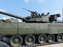ÖvrePyshma, Ryssland - Juli 2, 2016: Arr för ` för björk för ` för behållare för huvudsaklig strid T-80UD 1987 - utställning av a Royaltyfria Bilder