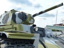 ÖvrePyshma, Ryssland - Juli 2, 2016: Sovjetisk arr för medelbehållare T-34-76 1940 av tider av Ii-utställningen för världskrig av Fotografering för Bildbyråer